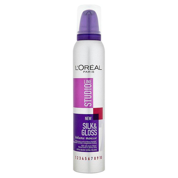 L'Oréal Paris Studio Line Silk & Gloss pěna pro objem 200 ml