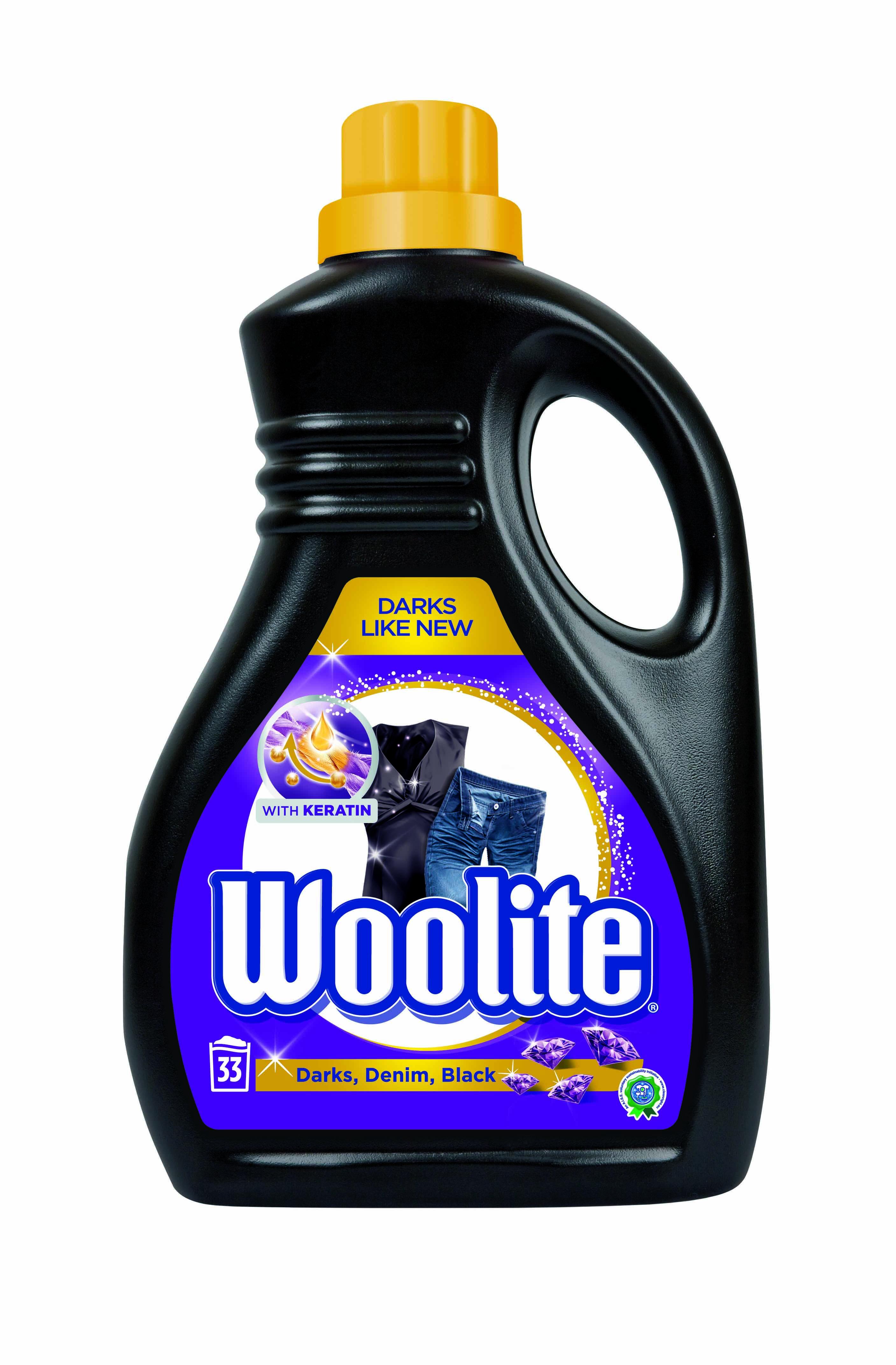 Woolite Darks, Denim, Black s keratinem prací prostředek pro tmavé a černé oblečení, 33 praní 2 l