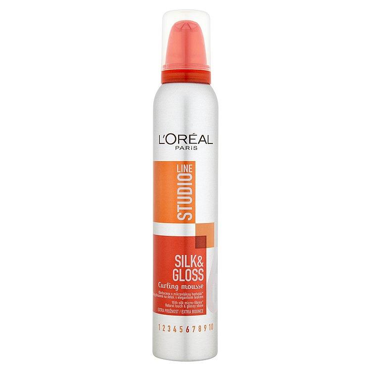 L'Oréal Paris Studio Line Silk & Gloss pěna pro vytvarování vln 200 ml