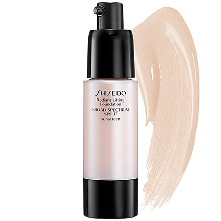 Shiseido Radiant Lifting Foundation, rozjasňující make-up I00 Very Light Ivory