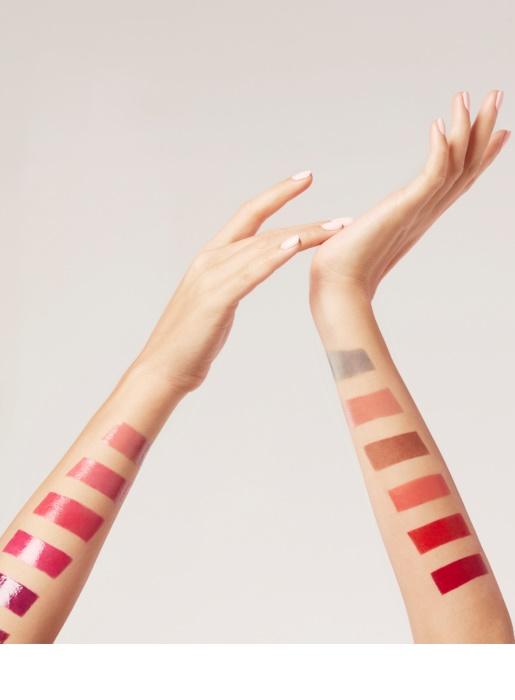 L'Oréal Paris Color Riche Shine rtěnka s vysokým leskem odstín 659 Blow your Glow