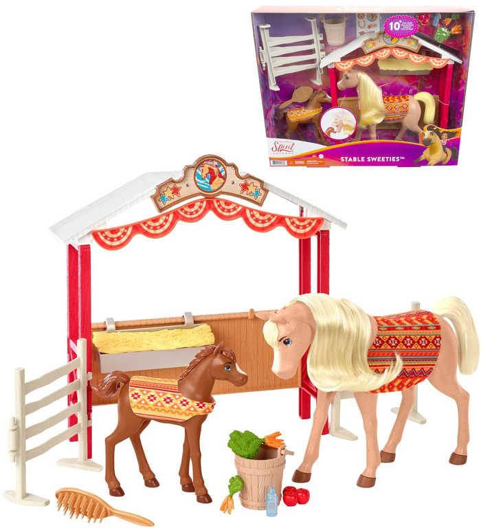MATTEL SPIRIT Stáje snů herní set koňská stáj se 2 koníky a doplňky