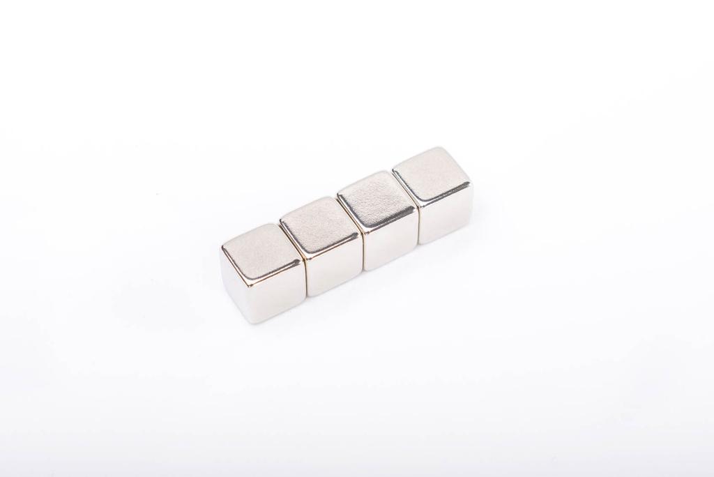 Magnety neodymové super silné - 10 x 10 x 10 cm / 4 ks